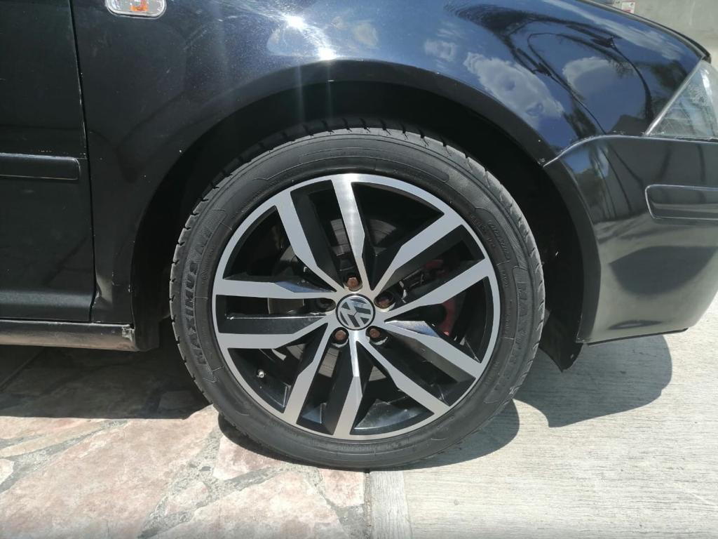 Volkswagen Jetta  A4  2010 Gli Turbo